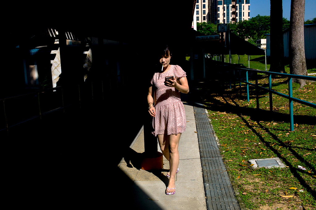 L1111681-Singapore-chinese-lady-high-contrast-bishan