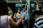 L1355117-pareja-metro-1200