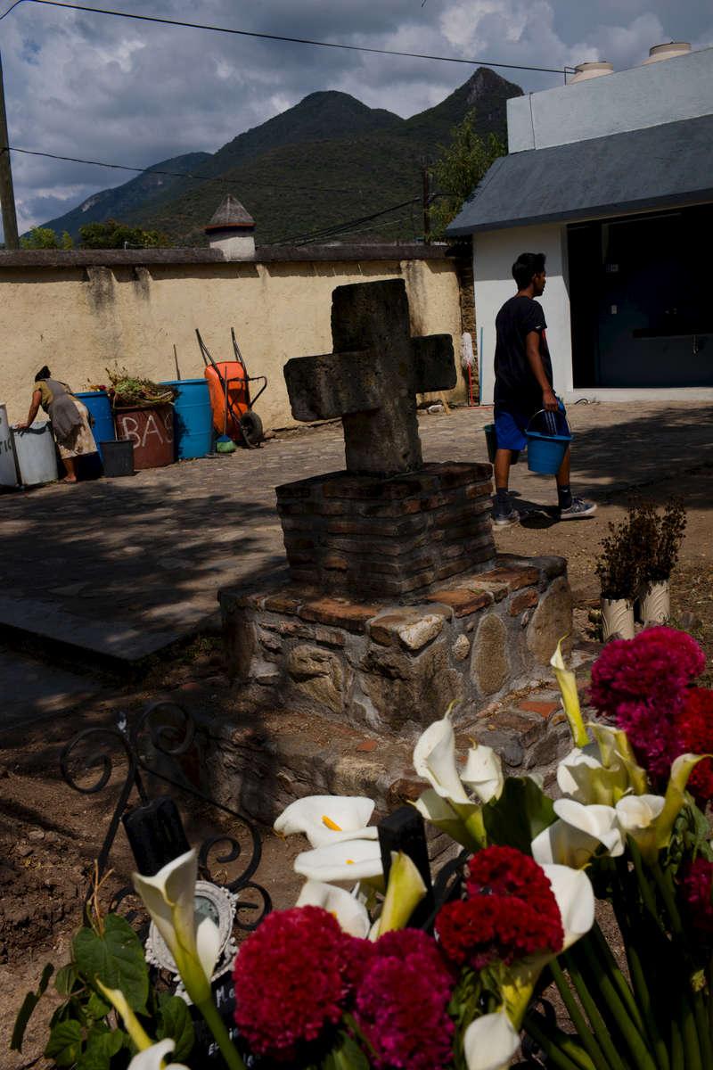 Mexico-cementerio-cruz-M1009971