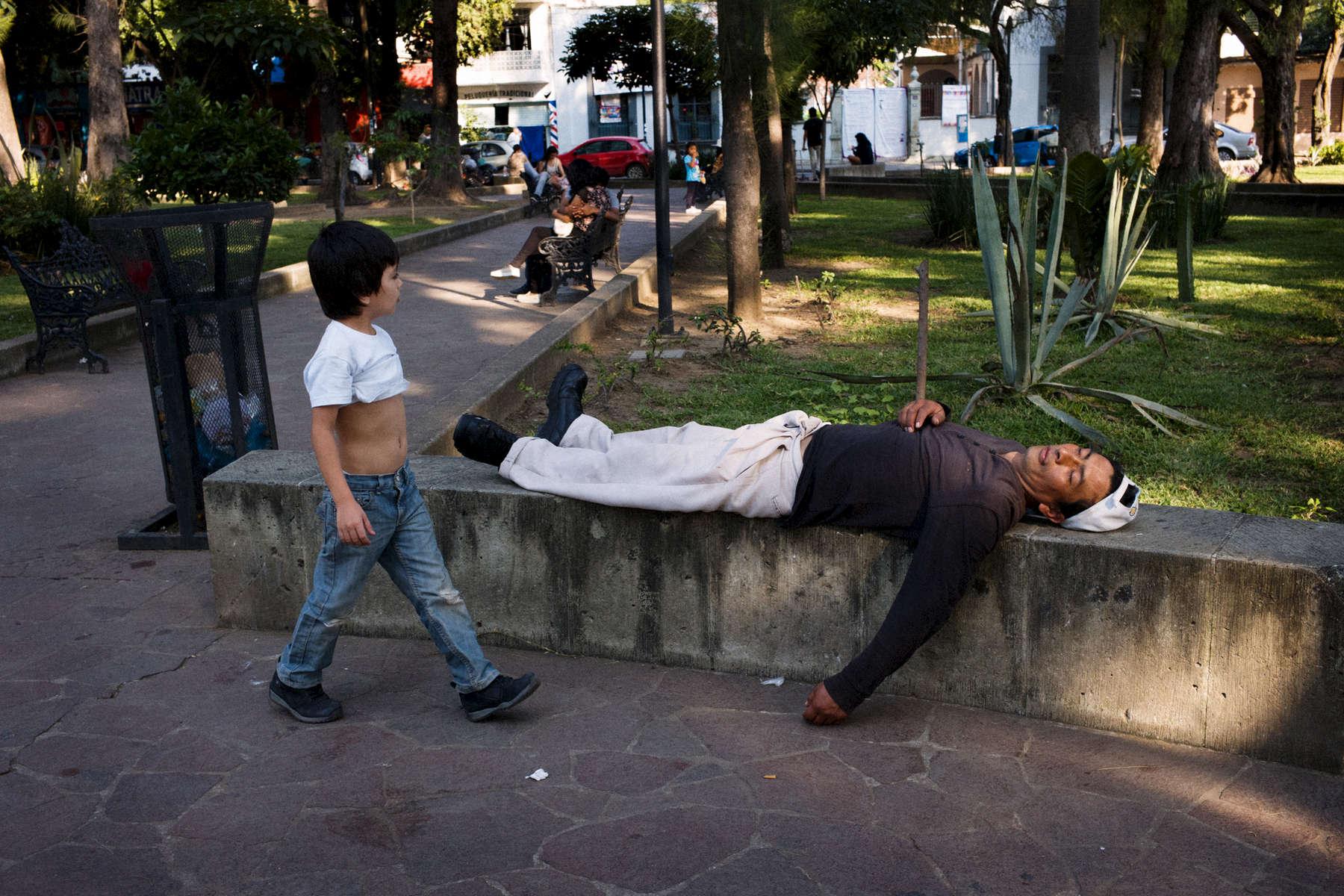 Mexico-nino-y-hombre-M1004474