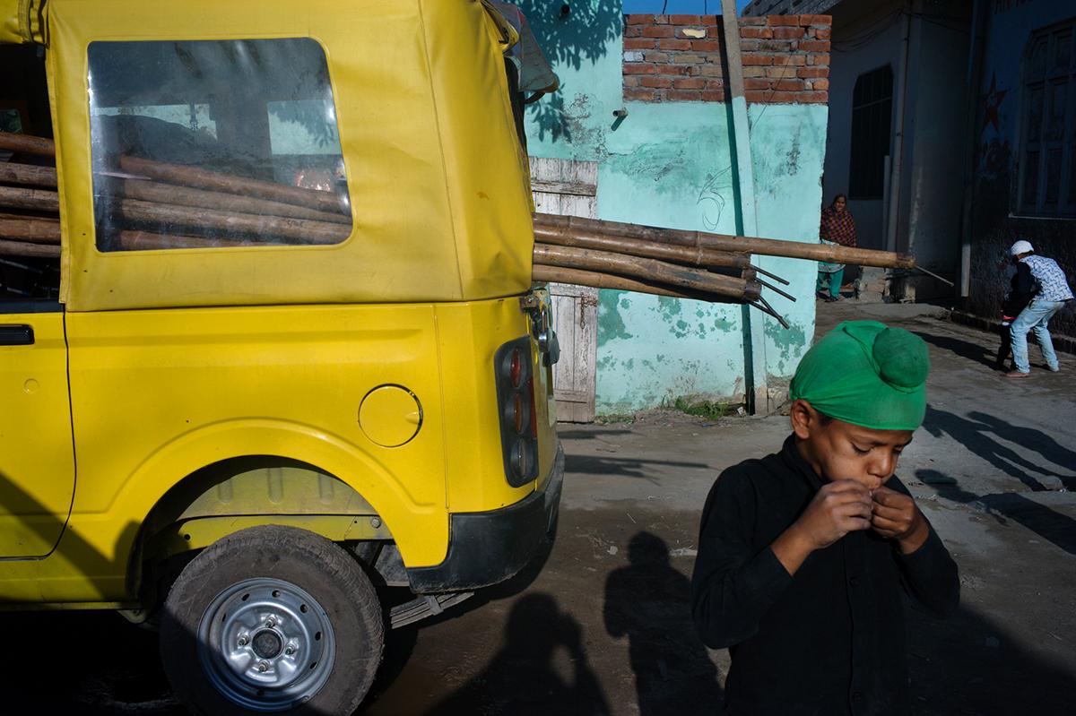 Punjab-L1369240-auto-amarillo--1200
