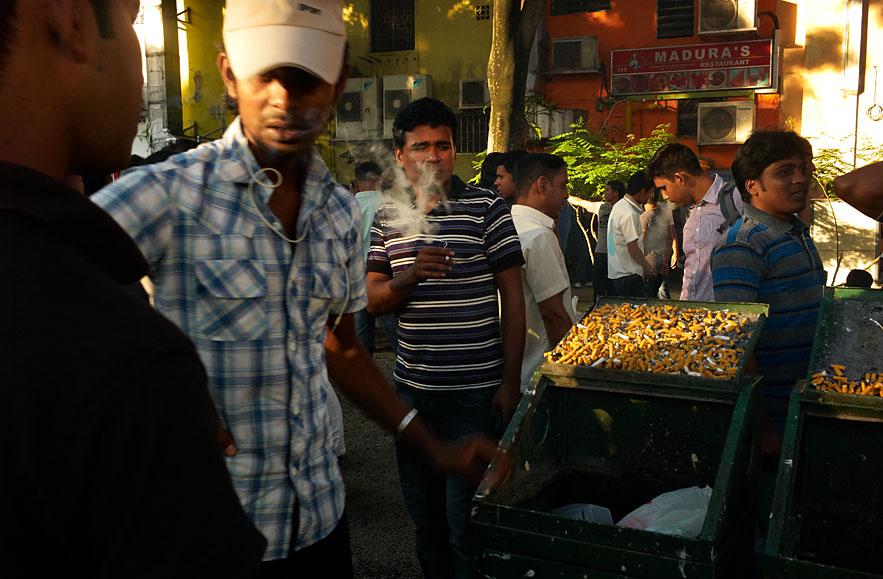 Singapore__little_India__smoking_area_save_8