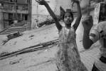 Varanasi_girls_playing_