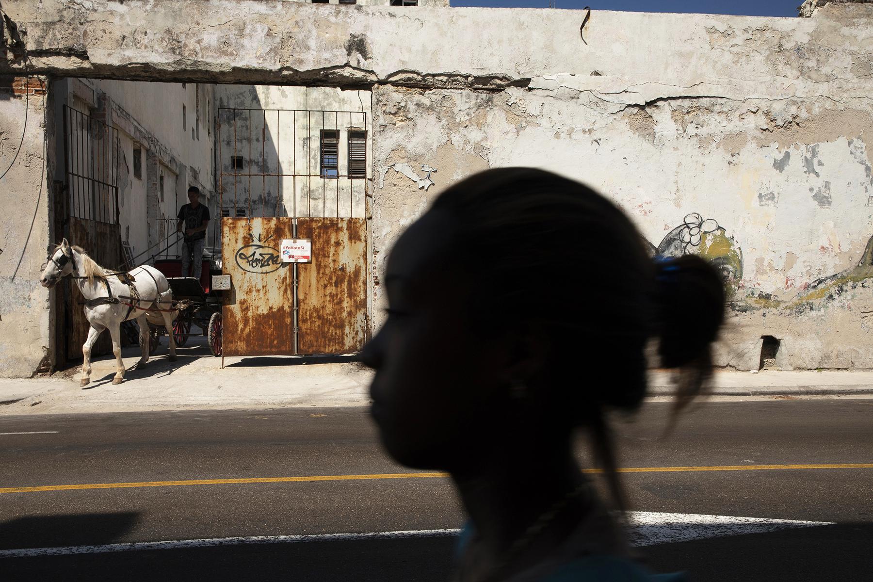 c-Sarah_Hoskins_-cuba_-street--havana