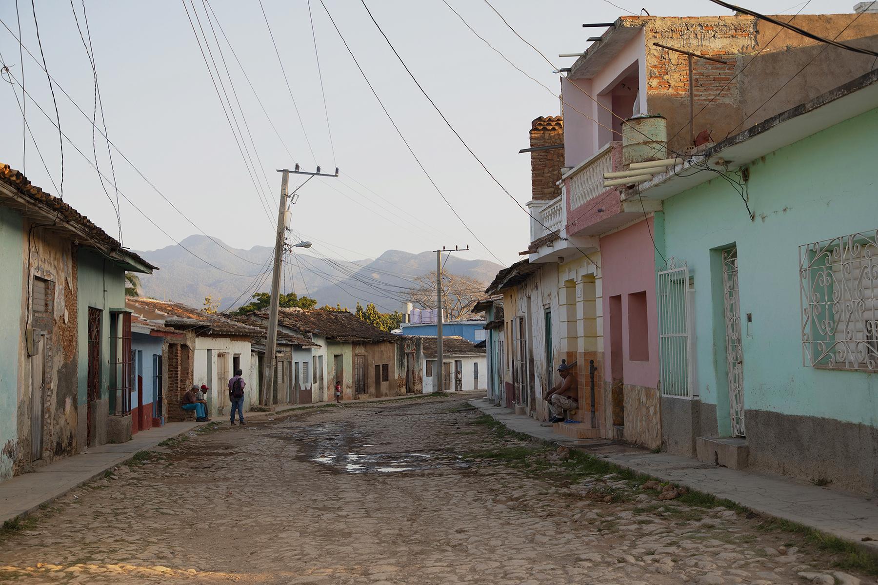 c-Sarah_Hoskins_-cuba_-street