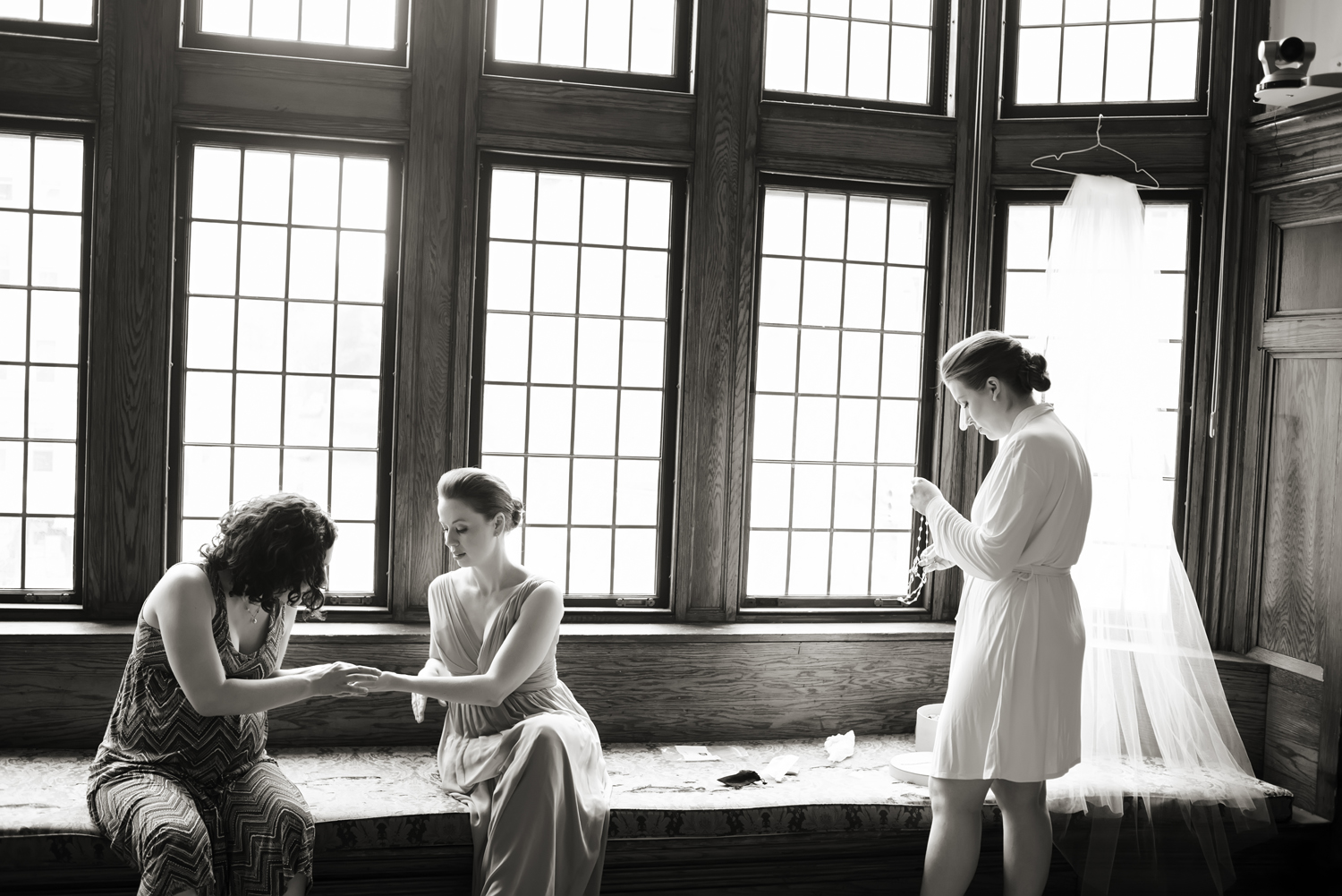 Bride and her bridesmaids getting ready at Morningside Castle