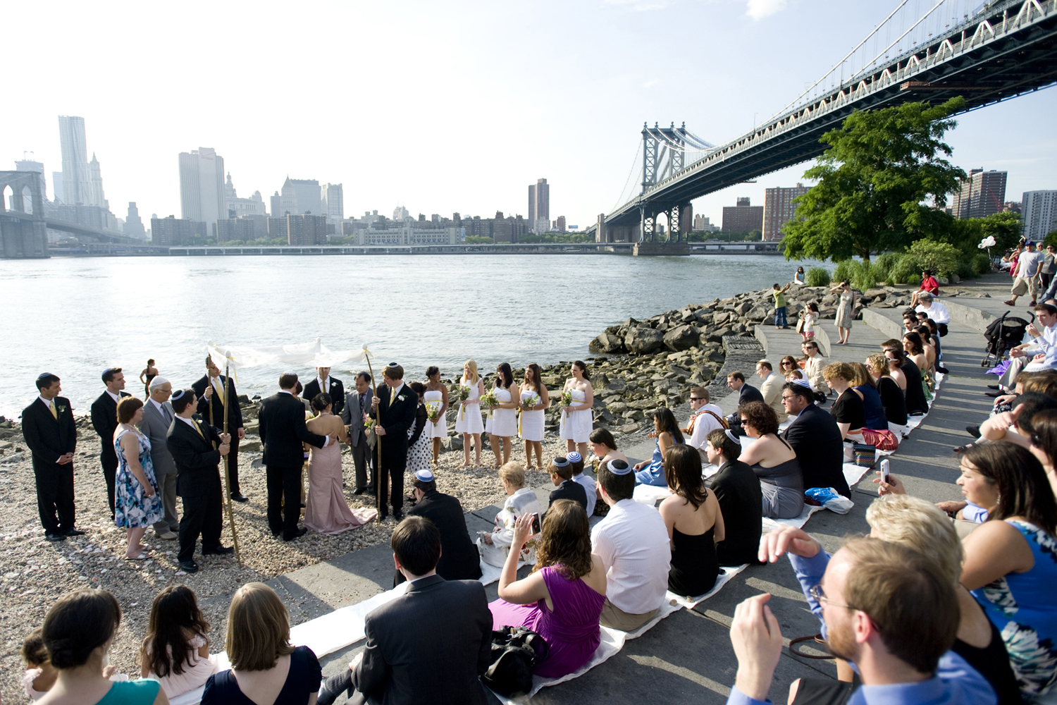 wedding ceremony at Brooklyn Bridge Park. Brooklyn wedding photographers
