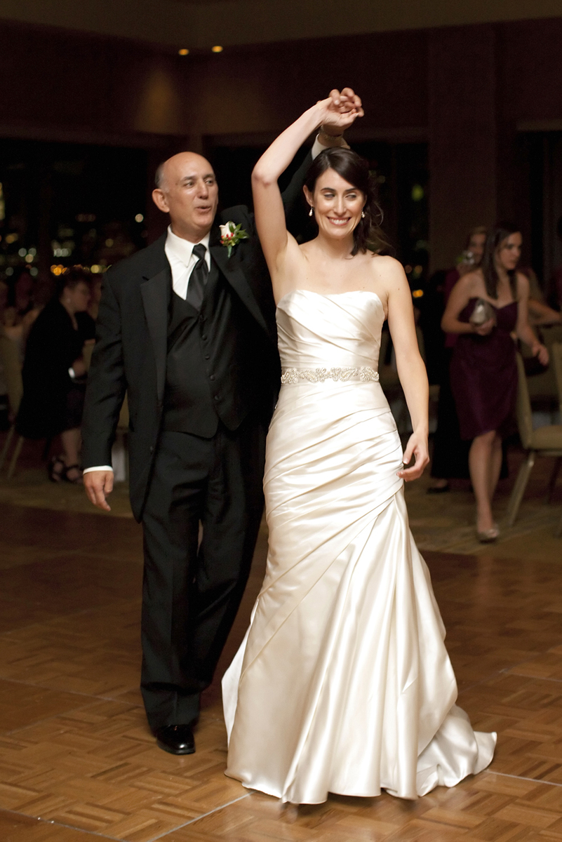 father daughter dance at wedding at Hyatt Regency Jersey City. Jersey City wedding photographers