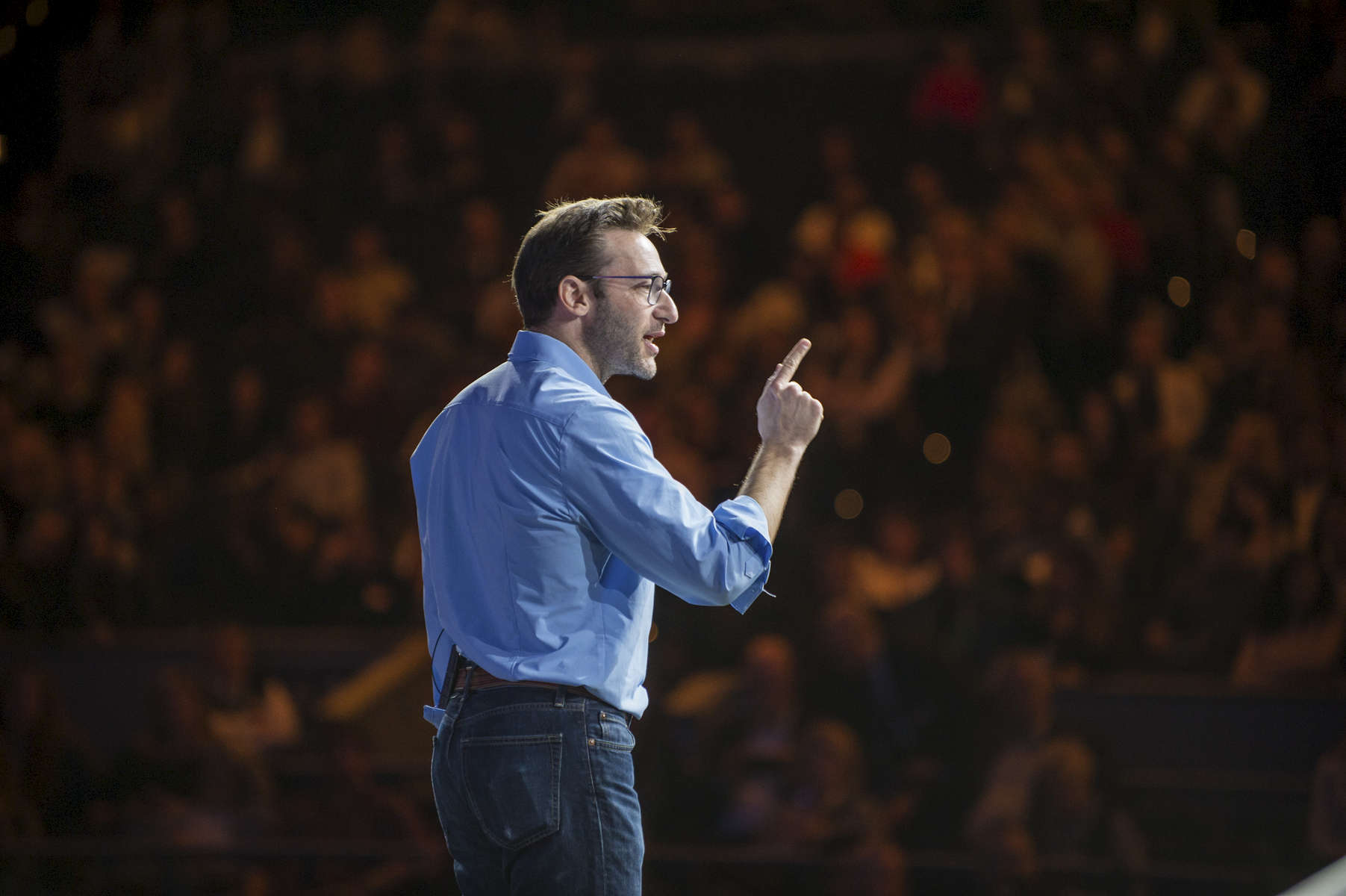 Simon Sinek is speaking at the Synergy Global Forum NY at The Theater at Madison Square Garden October 28, 2017. Photo by Ron Wyatt Photography