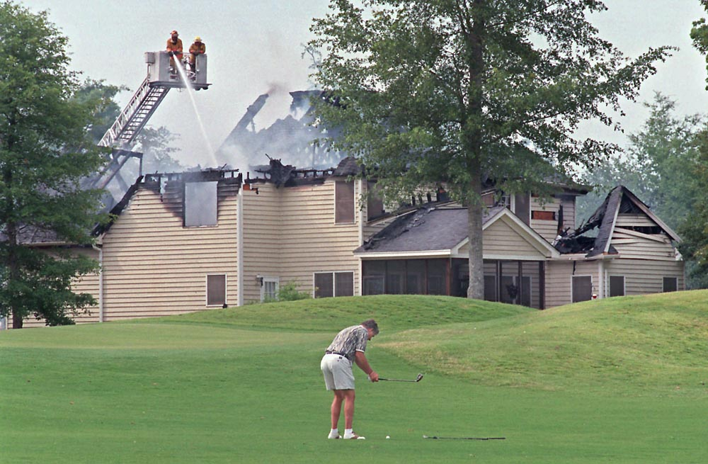 aaaRICK_CROZIER_GOLF_FIRE