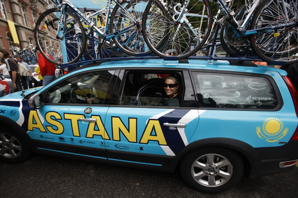 First time to ride/shoot from  the #1 car with Johan at the TDF...Big deal and I was super excited!