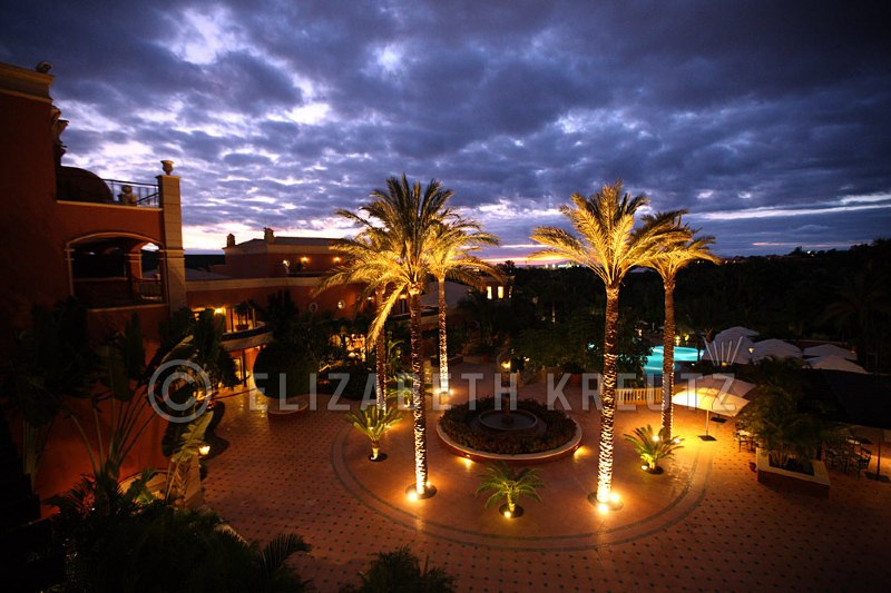 The Astana Cycling team held their December training camp in Tenerife Spain in the Canary Islands and stayed in the beautiful Las Madrigures hotel www.hotellasmadrigueras.com  Not a bad view from my room...not bad at all!