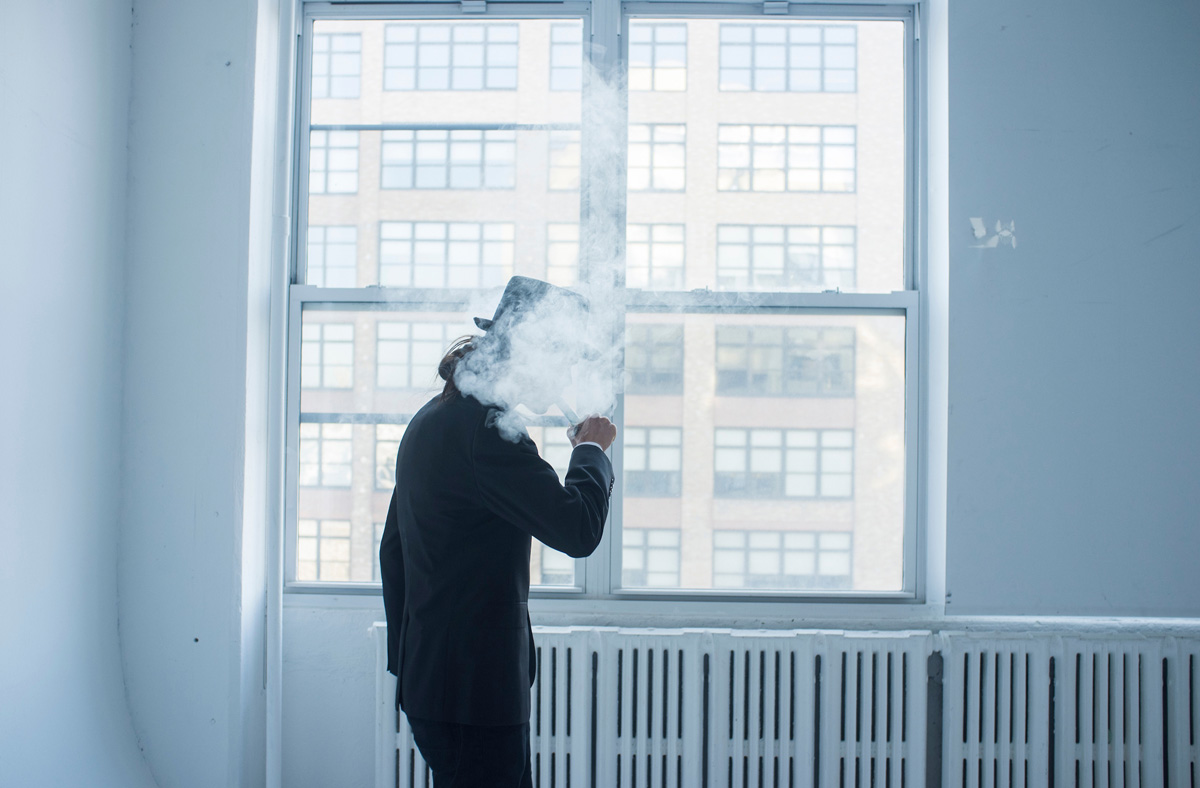 Nemo smoking vapor. Hector and Trinity¥s wedding. New York, NY, USA