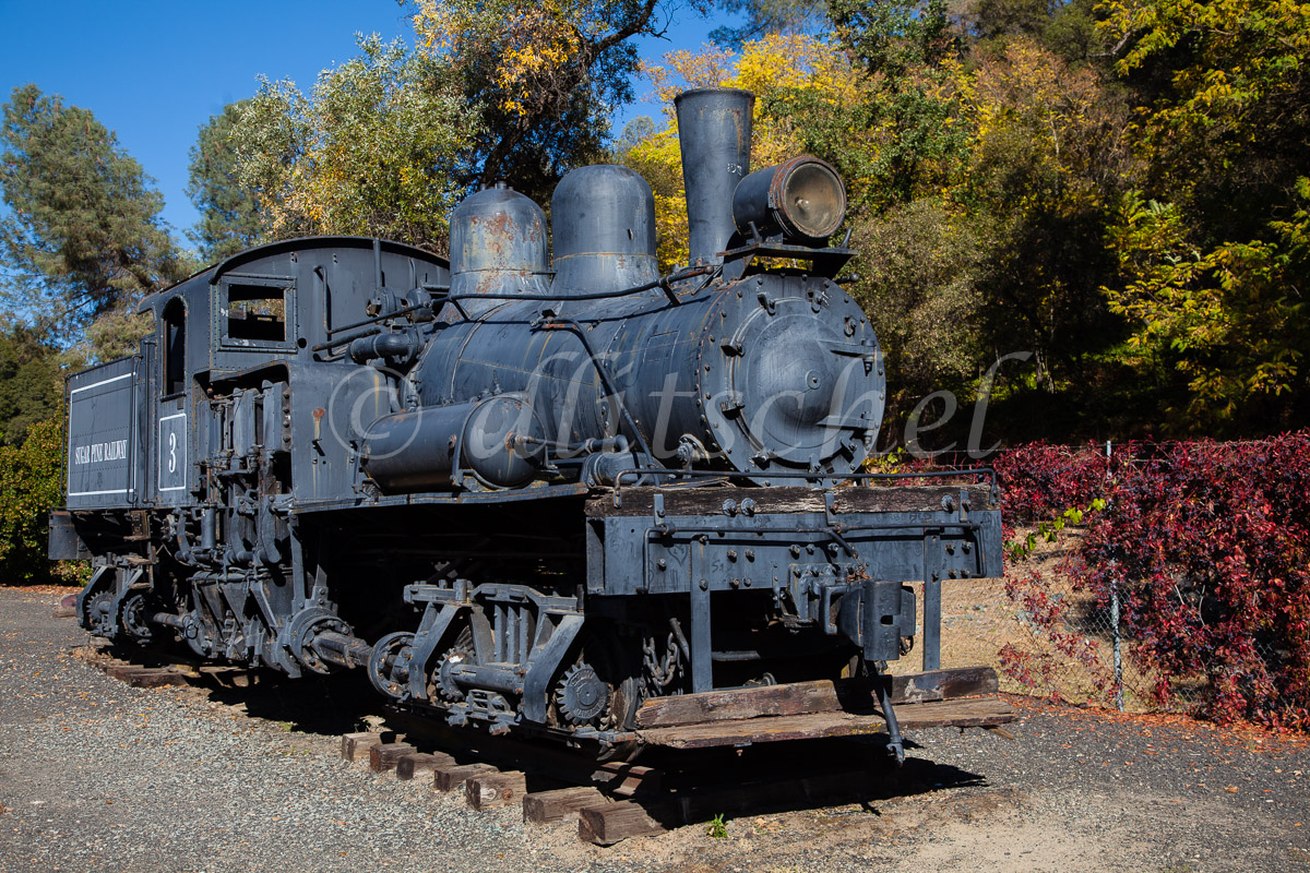 Old steam engine in No. California