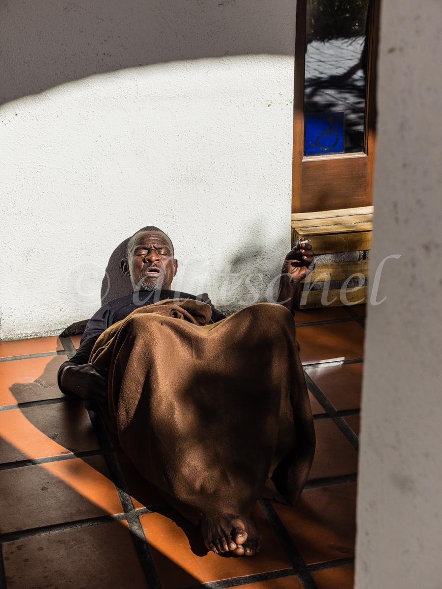 sb_homeless-1170049