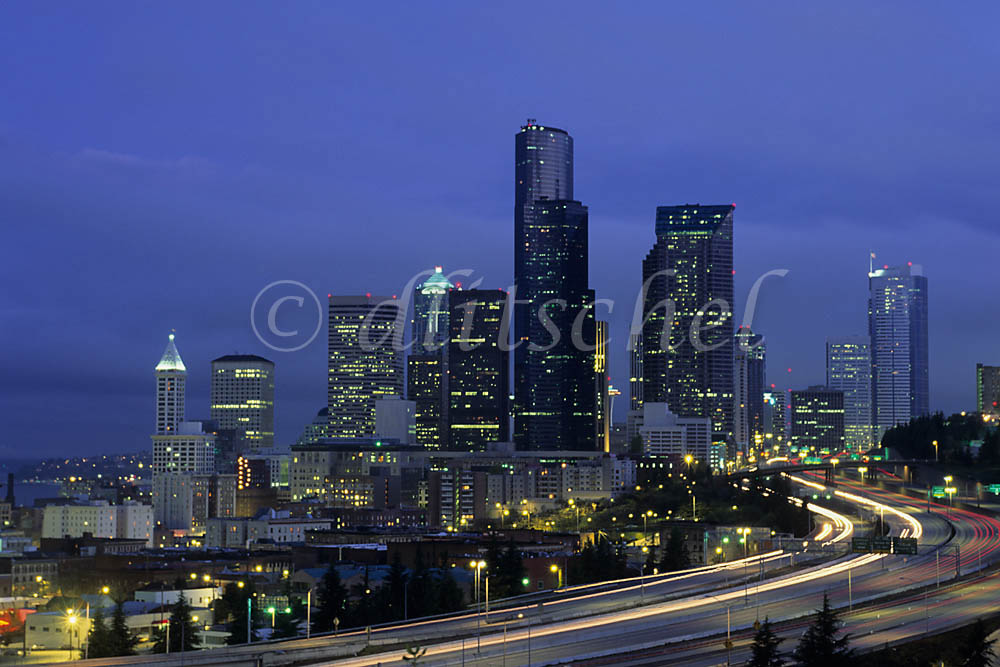 The skyline of Seattle, Washington, USA at night