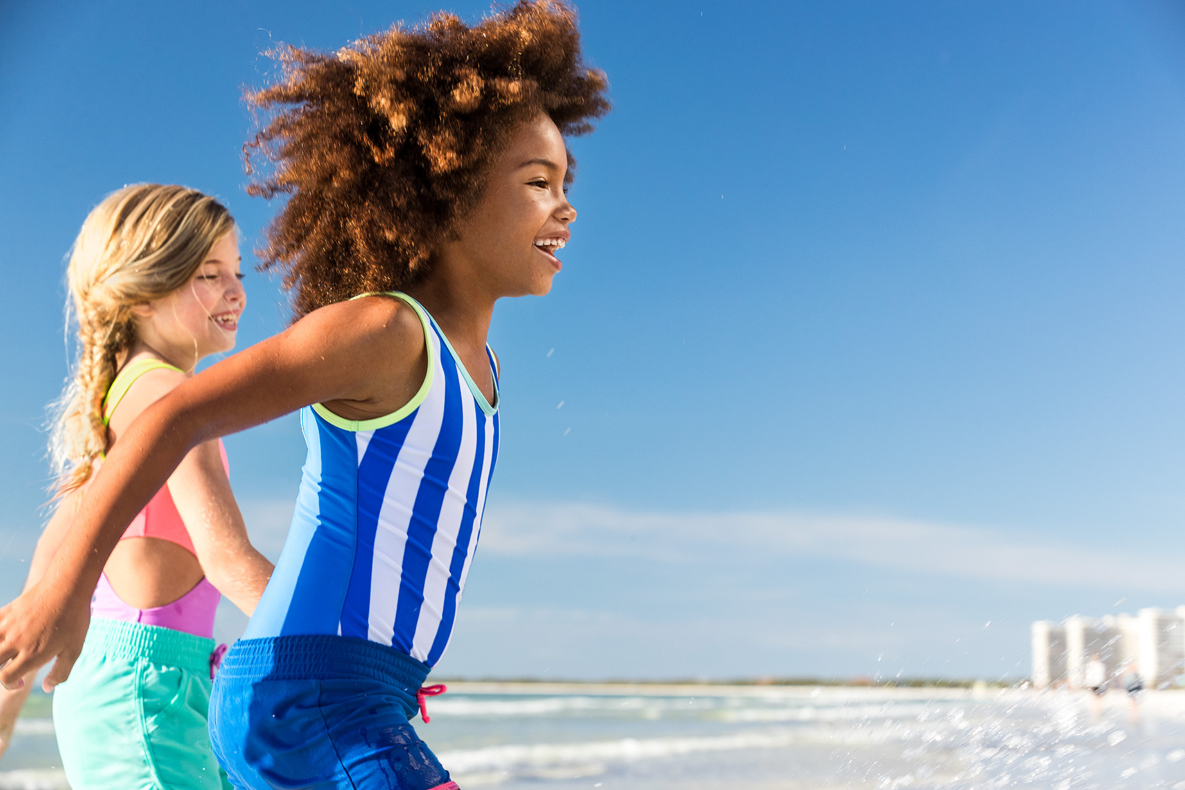 GKamper_Beach_Walking_AA_Caucasian_Girls_Day5_24134-1