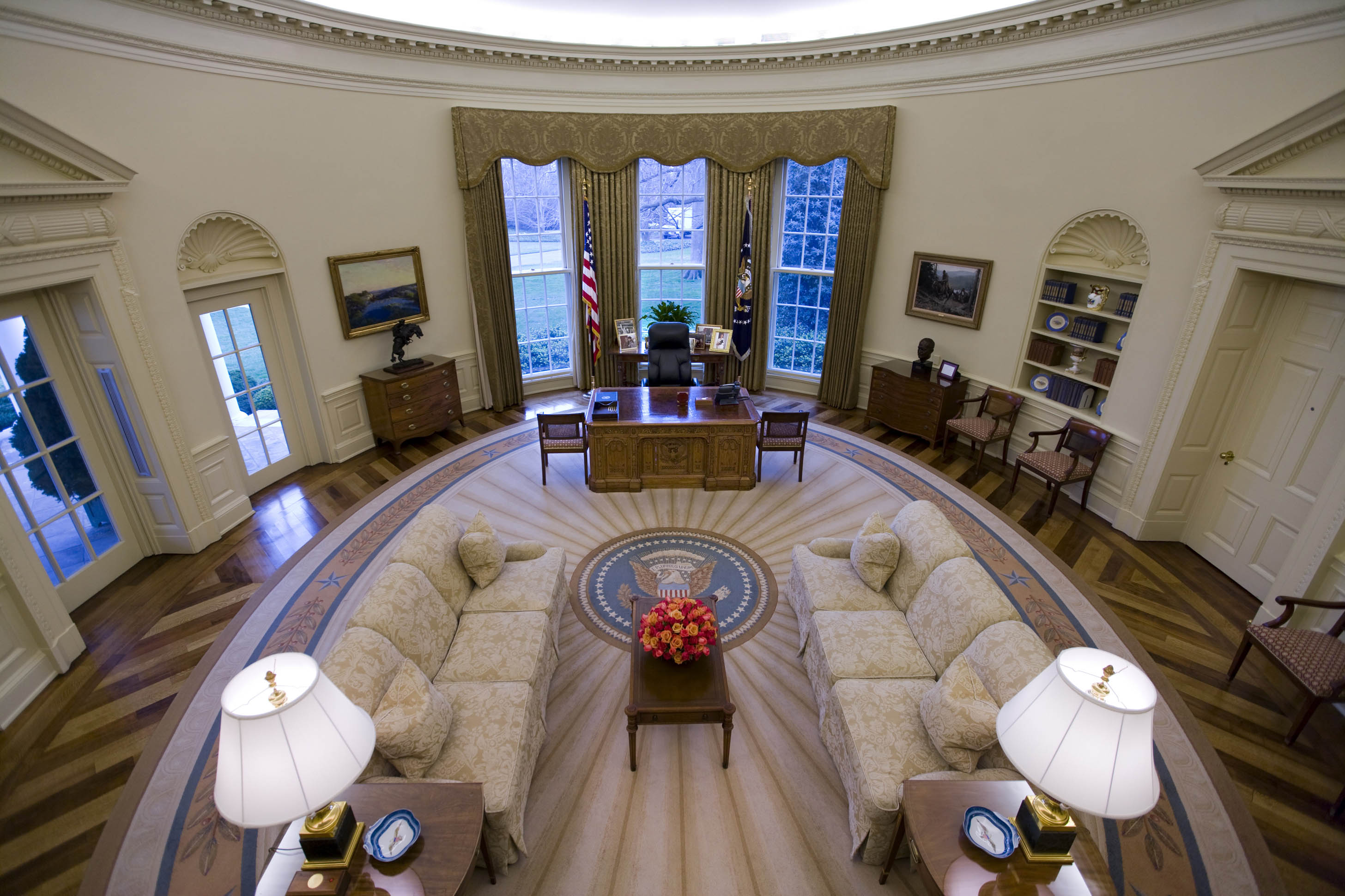Oval office design Oval office decor by president
