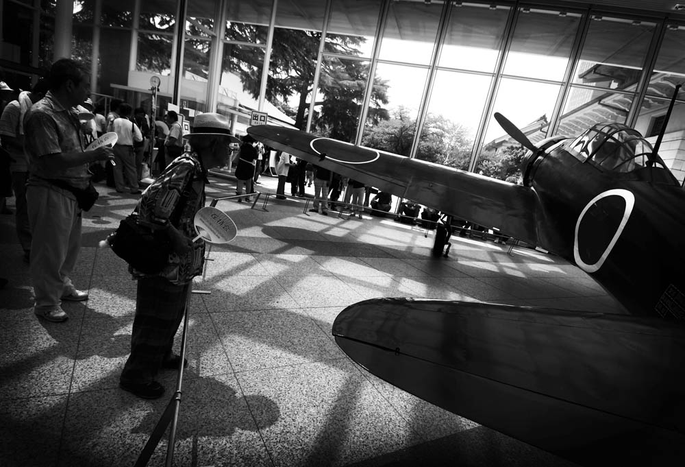 Open display of Zero Fighter at Yasukuni Shrine's War Museum on August 15th, 2008.