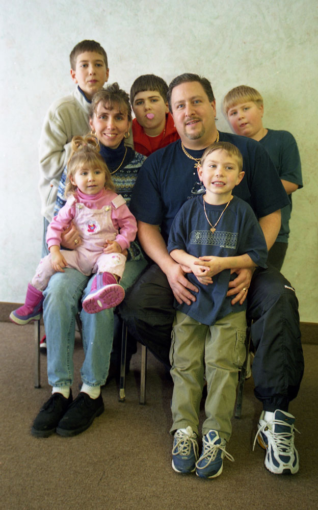 Robert and Shawn Fantacone Family, from far left row clockwise: Joe,11, Chris,12, Matthew,8, Dan,5, and Jennifer,2.