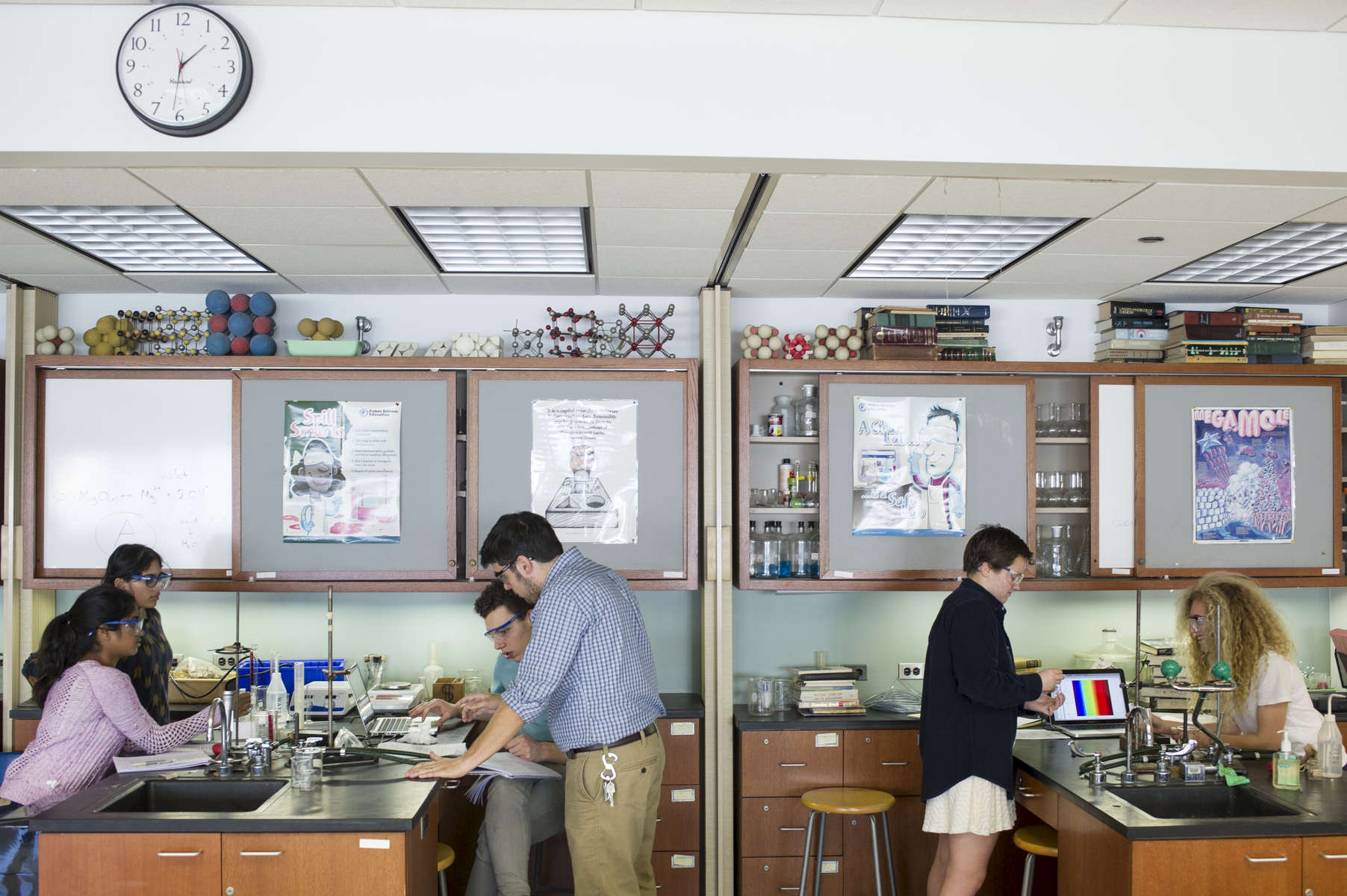 university of chicago laboratory schools high school science high school science teacher dr zachary hund works a student as he analyzes a