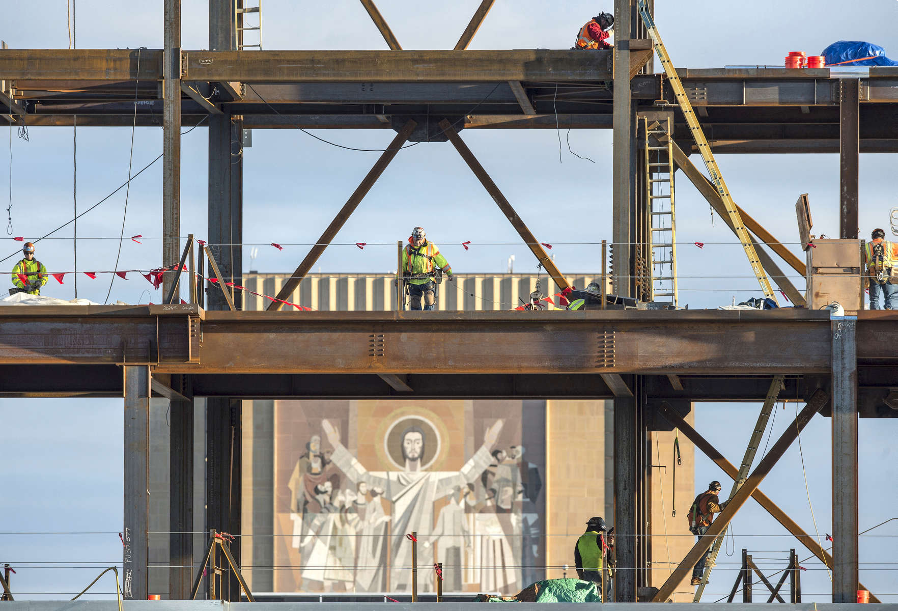Crossroads construction with Hesburgh Library's World of Life Mural in background.