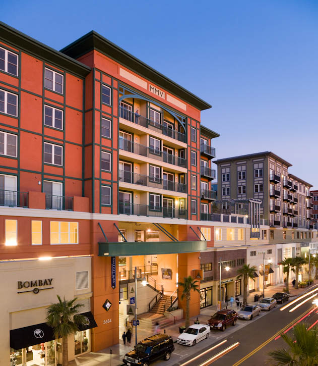 Bay Street is located in Emeryville, California ideally situated at the foot of San Francisco's highly traversed Bay Bridge. Encompassing two city blocks, Bay Street is home to more than 65 shops, 10 restaurants, a 16-screen AMC theatre and over 1,000 residents who live in the 400 residential units. Its retail line-up includes Apple, Sephora, Pottery Barn and H&M and will be joined by bebe this October. These fashionable retailers combined with delicious restaurants, weekend concerts and street performers create an active nightlife and popular downtown alternative.  Photo by Jay Graham for SB Architects.
