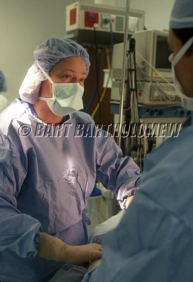 Dr_in_surgery