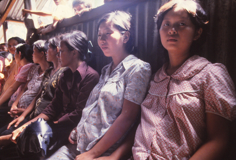 VIETNAMESE-BOAT-PEOPLE_0009