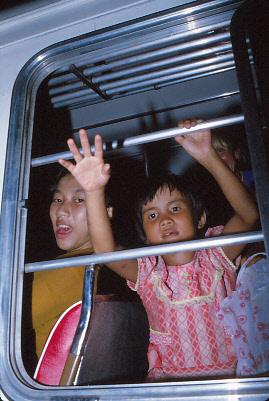 VIETNAMESE-BOAT-PEOPLE_13000