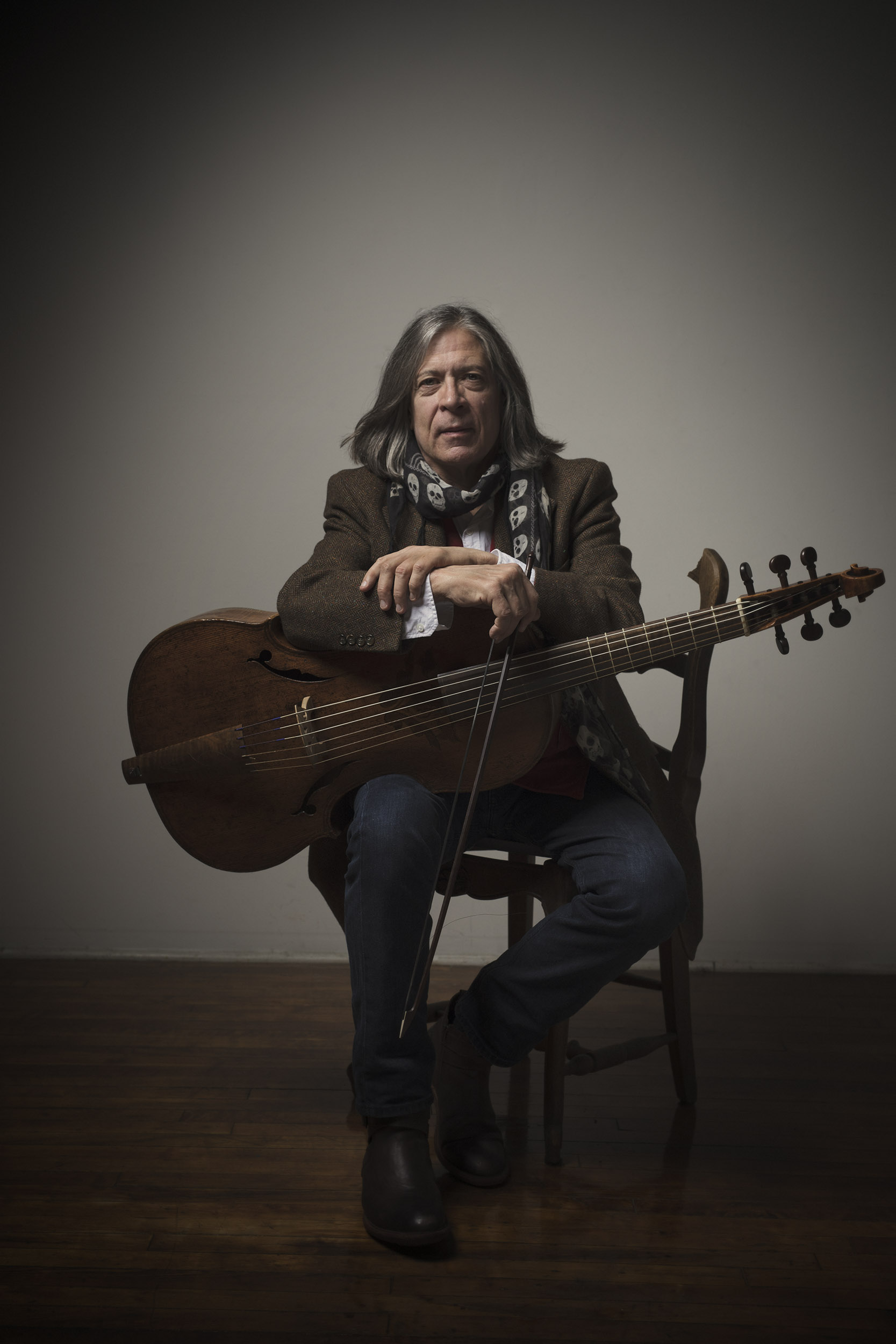 Portrait of Gerald Trimble, who performs with the viola da gamba.