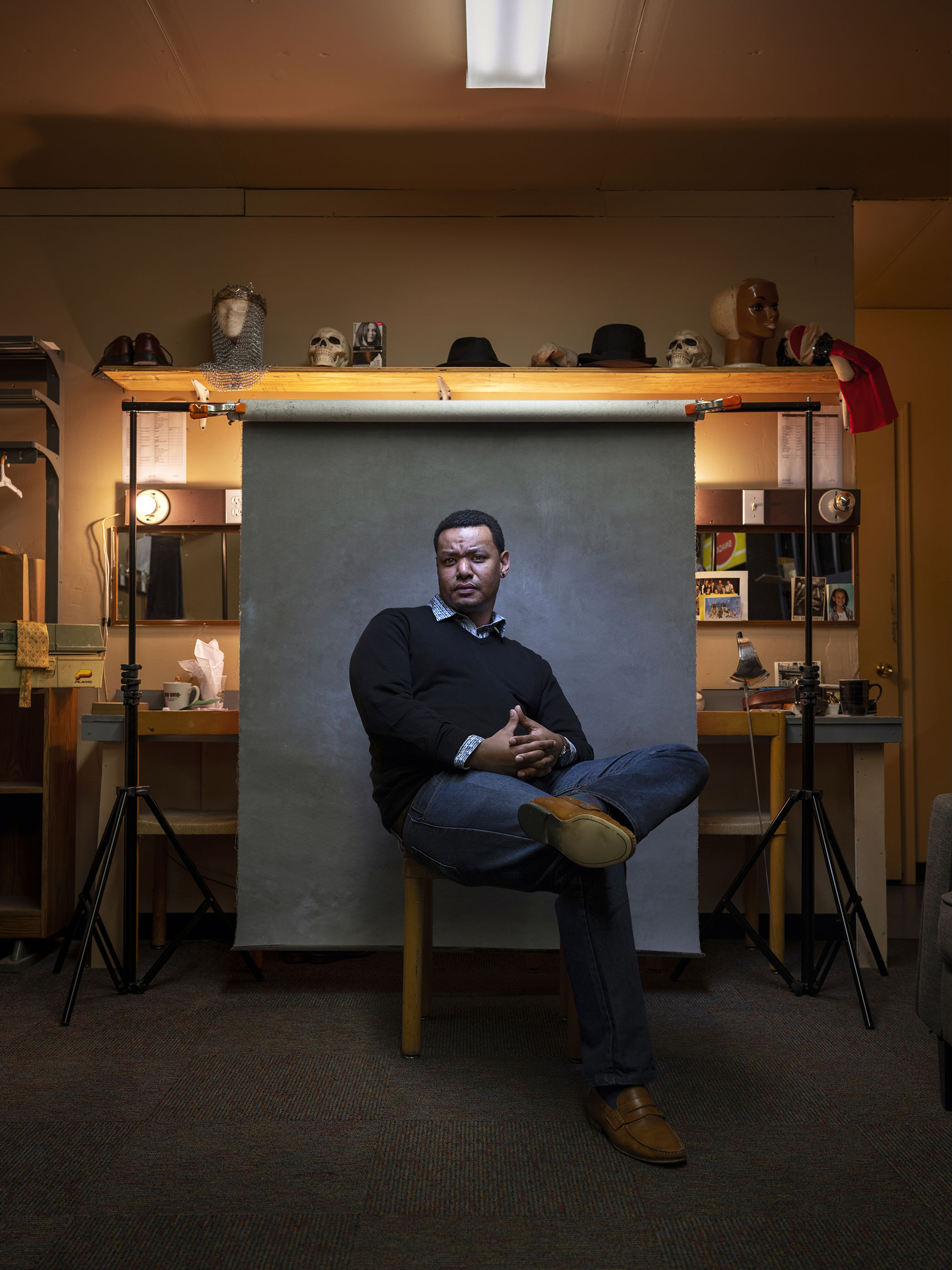 Portrait of Kansas City actor Keenan Ramos inside the dressing room of Unicorn Theatre.