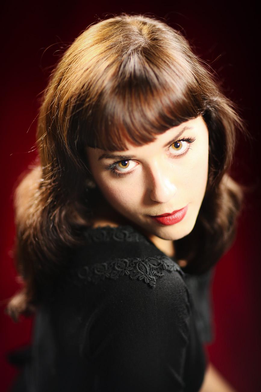 Portrait of performing singer, Molly Denninghoff.