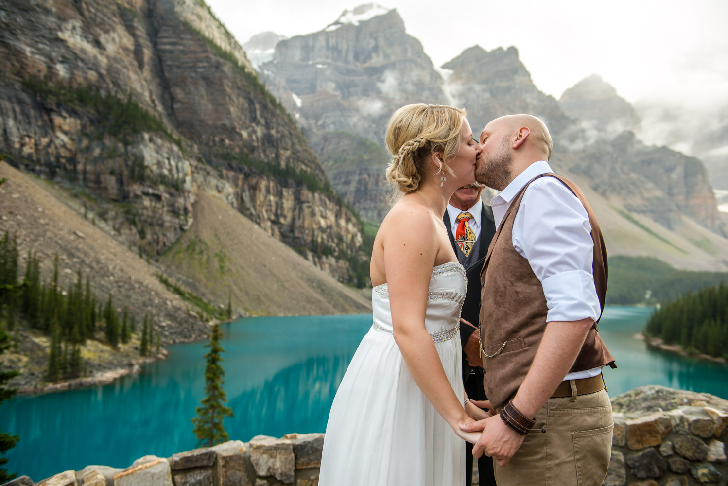 Moraine-Lake-Elopement-010