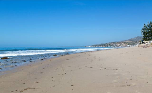 119_Malibu_Colony_beach2