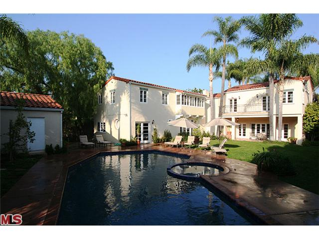 Summer vacation lease in prime Beverly Hills flats