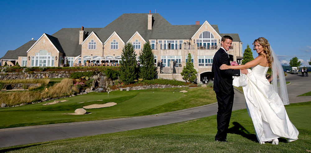 Scott and Pauline are photographed on their wedding day with the Golf Club at Newcastle in the background. (Photography by Scott Eklund/Red Box Pictures)