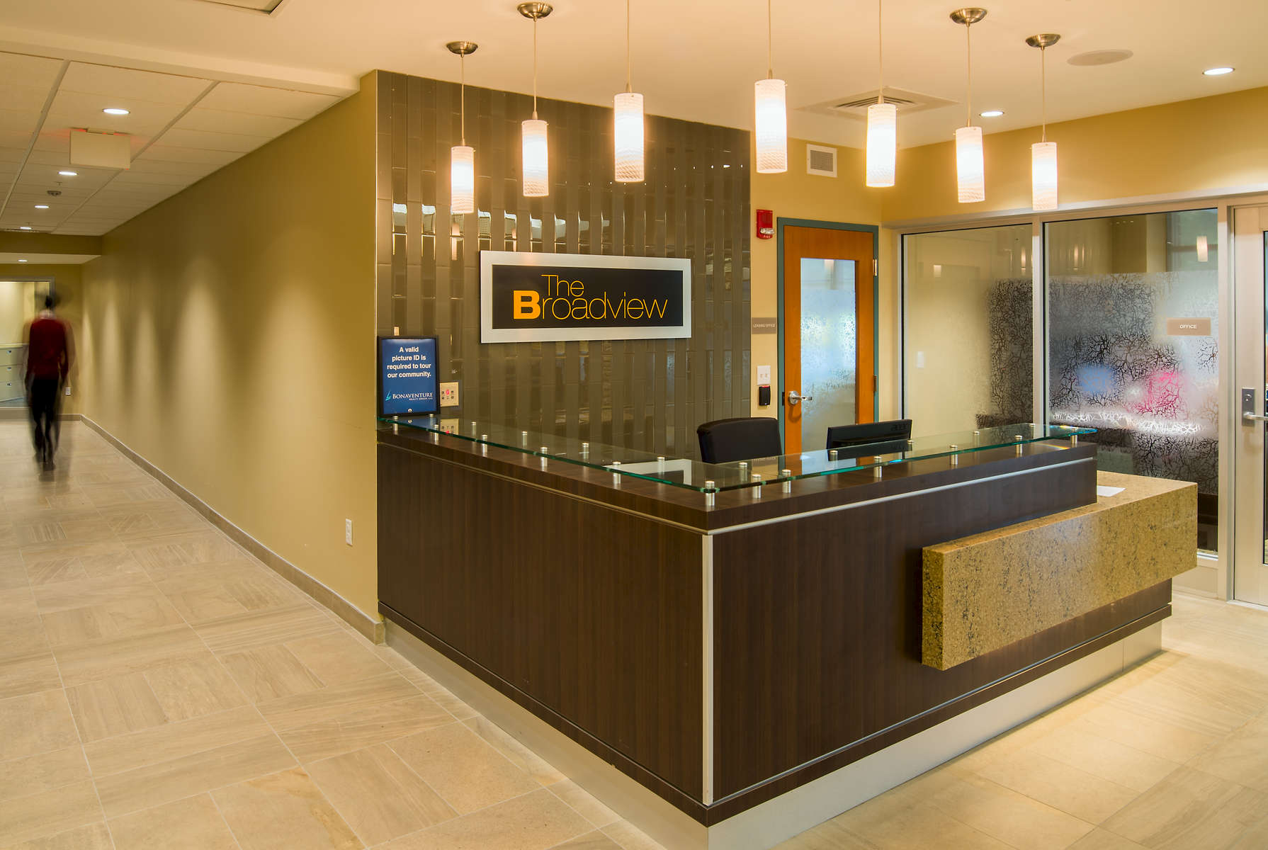 Broadview-Lobby-Concierge