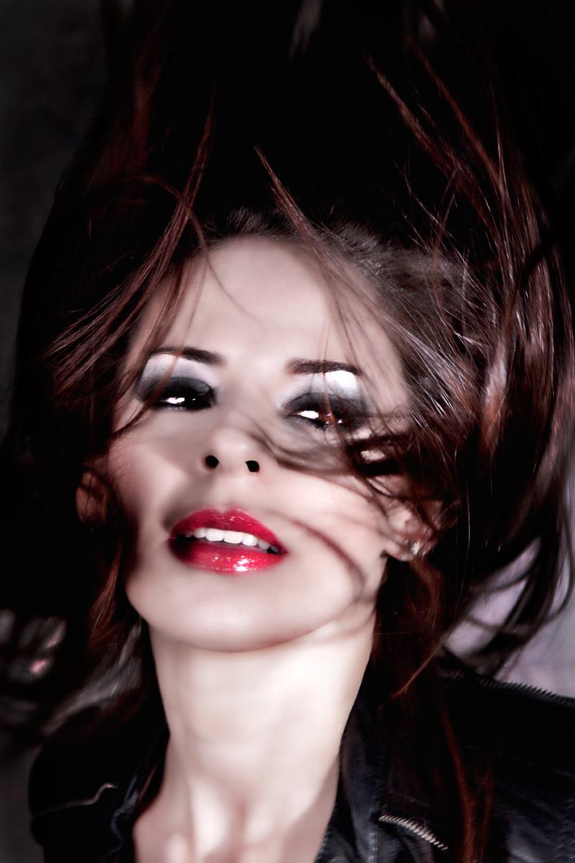 Model: Adriana FernandezMake up: Mariusky Fernandez