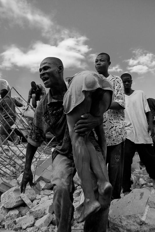 Levitch_20100119_Haiti-earthquake_678
