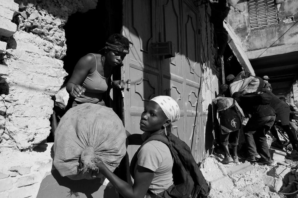 Levitch_20100122_Haiti-earthquake_1806