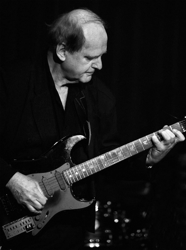 © Bob Barry 2007SAT IN 10th ANNIVERSARY GUITAR NIGHT