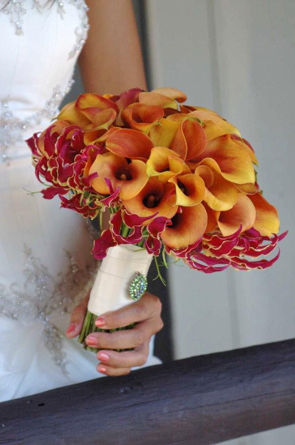Mango_Mini_Calla_Bouquet