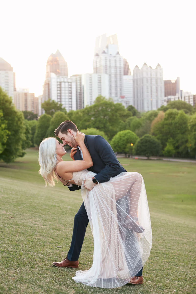 Piedmont-Park-Ponce-City-Market-Engagement-Photos-0040