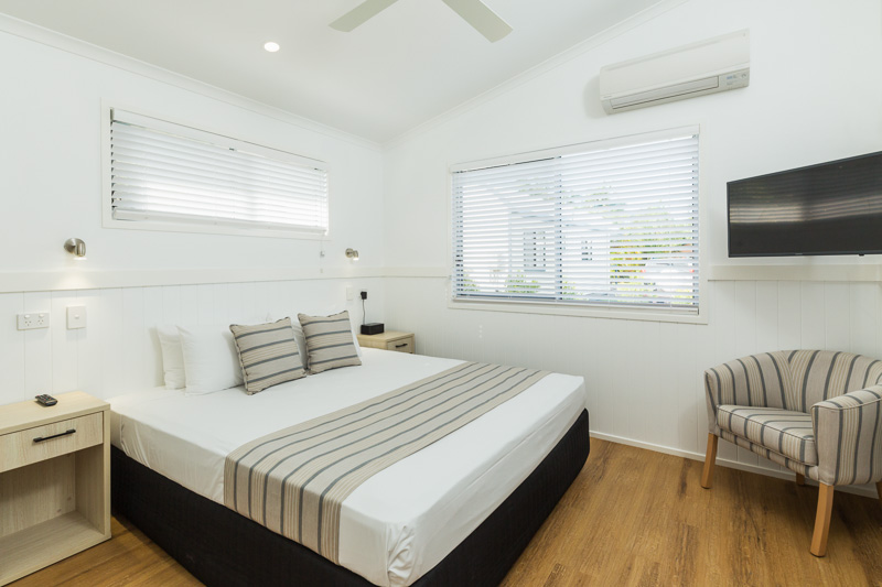 Bedroom in holiday accommodation at Cairns Coconut Holiday Resort