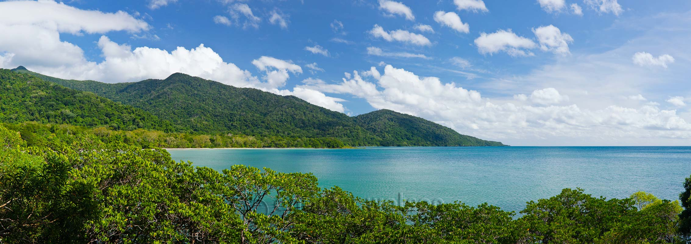 View from Cape Tribulation lookoutDaintree National Park, North ...
