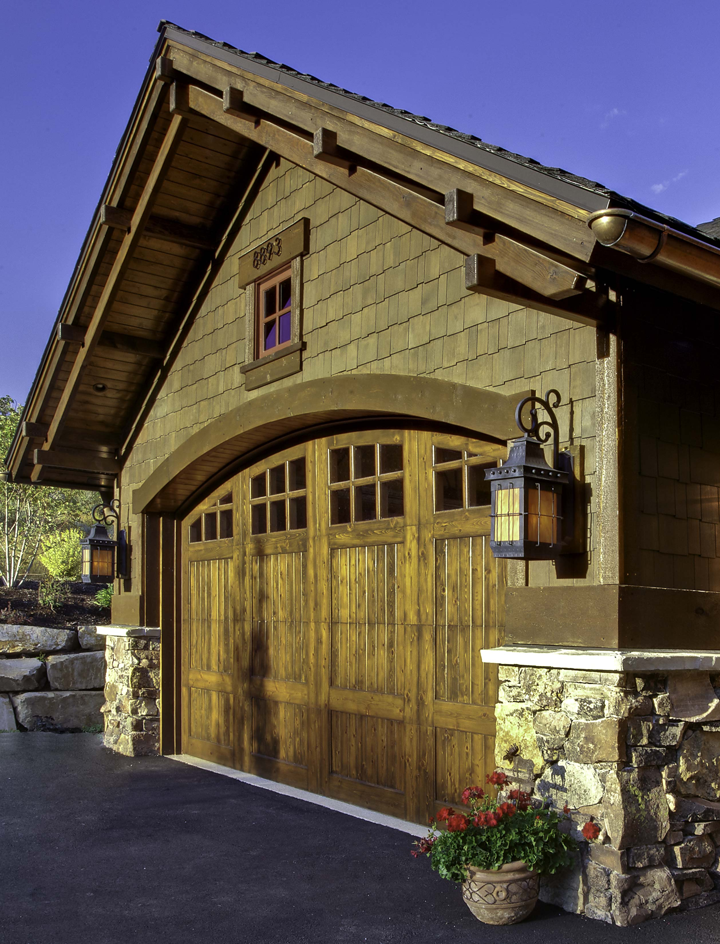 3109-15c_E0E7336-garage-detail