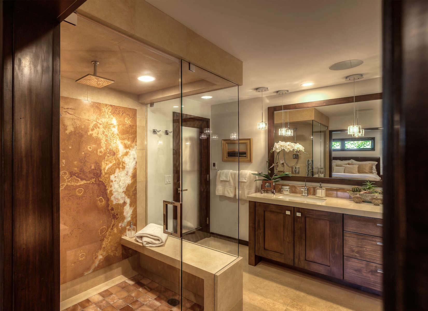Doug-Knight-Home-3712-11_E0E7811_Master-Bathroom