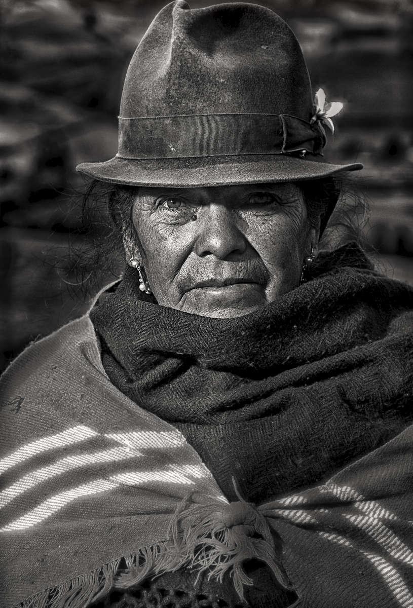 Mujer-Indigena-sierra-1-retro-2
