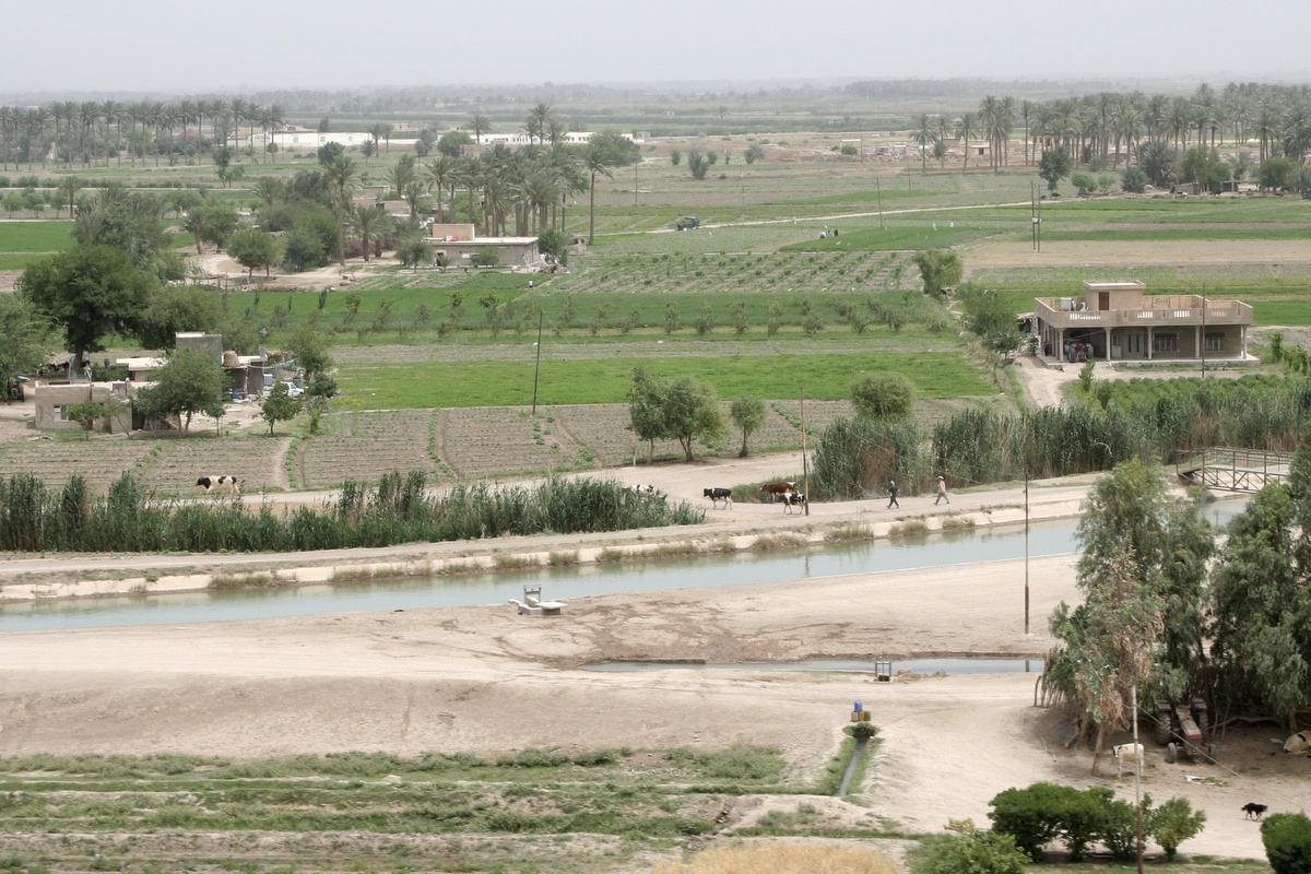 Many canals irrigated the crop fields.